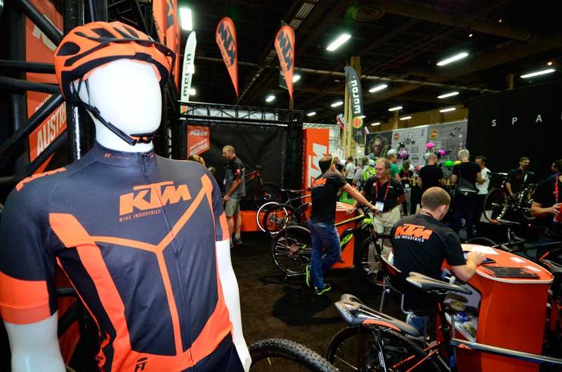 PP_KTM-crowd-Interbike_DSC0707